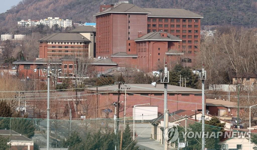 驻韩美军龙山基地居家隔离令延至本周末