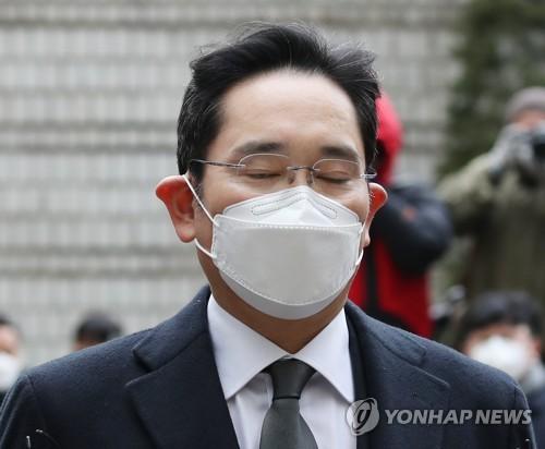 简讯:李在镕行贿案重审获刑2年半当庭被捕