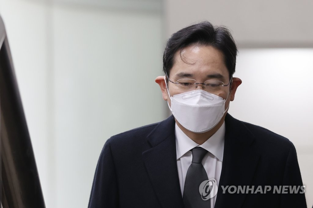 资料图片:1月18日,三星电子副会长李在镕出庭受审。 韩联社