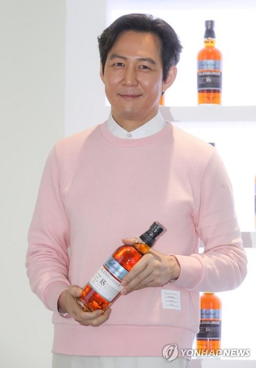 李政宰代言百龄坛威士忌