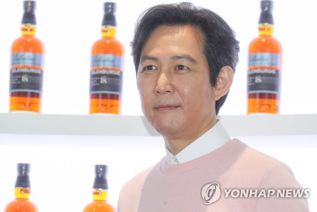 演员李政宰