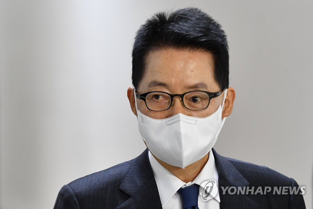 消息:韩情报首长在东京拜会日本首相菅义伟