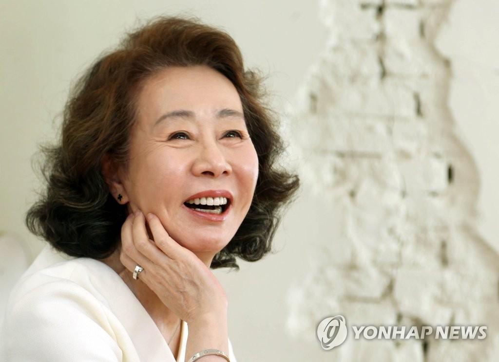 简讯:尹汝贞获美国演员工会奖最佳女配角奖