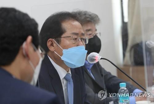 韩国无党籍议员洪准杓将申请恢复党籍