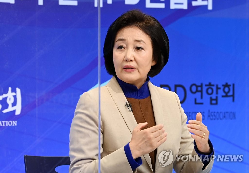 3月22日,在首尔市木洞放送会馆,朴映宣做客韩国记者协会、广电记者联合会、韩国编导联合会合办首尔市长候选人讨论会。 韩联社