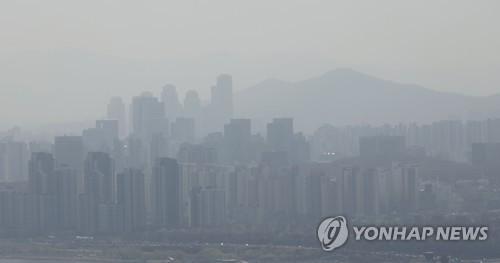 沙尘影响下韩国各地PM10浓度升高