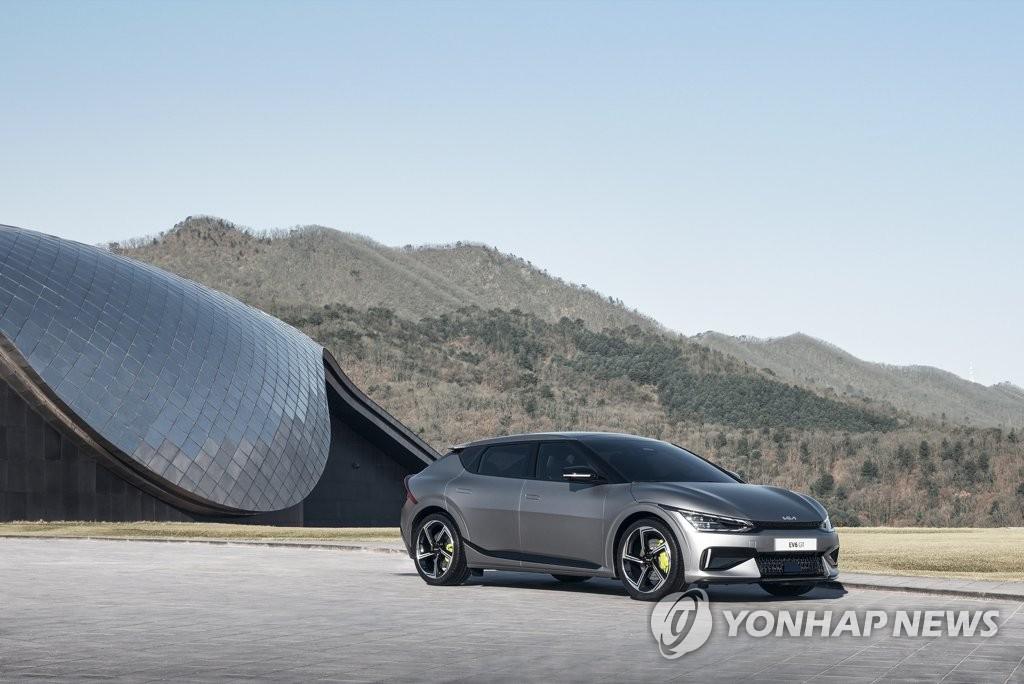 """起亚电动汽车专属品牌首款车型""""EV6"""" 韩联社/起亚供图(图片严禁转载复制)"""