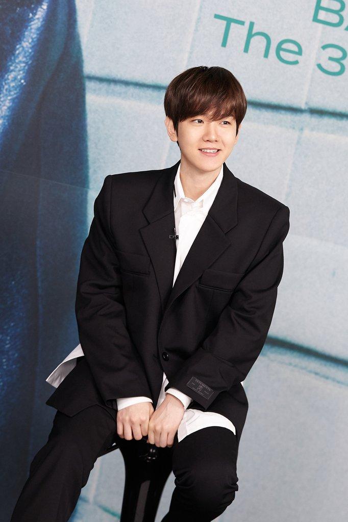 韩国组合成员频推个辑 伯贤《Bambi》首周销量创纪录