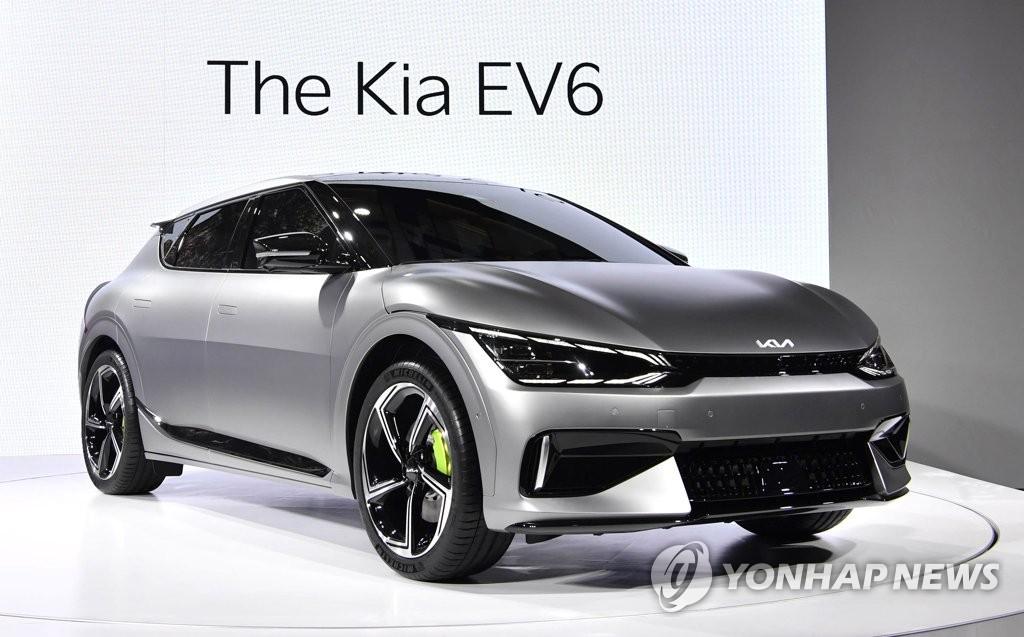 资料图片:起亚全新电动汽车EV6 韩联社/起亚供图(图片严禁转载复制)