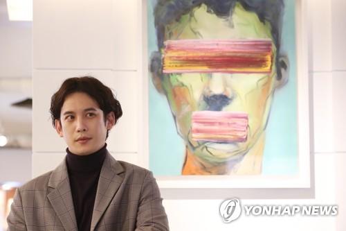 演员兼画家朴基雄