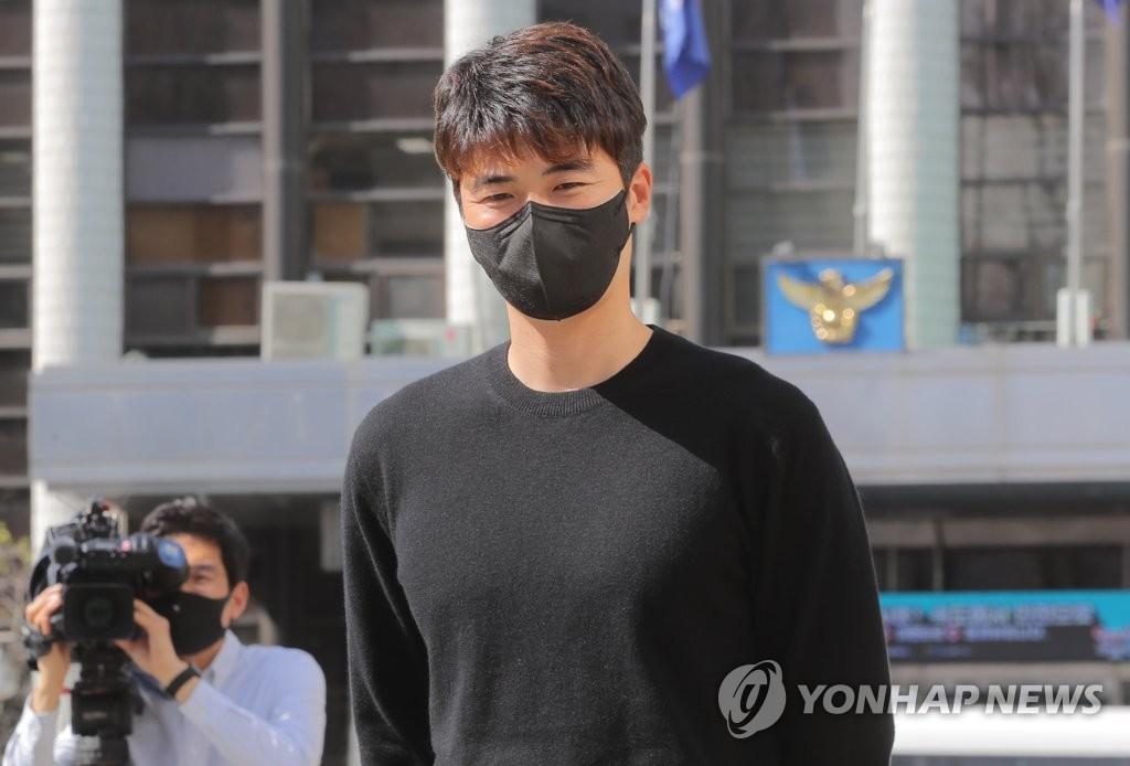 韩警方将调查奇诚庸父子是否涉嫌炒地