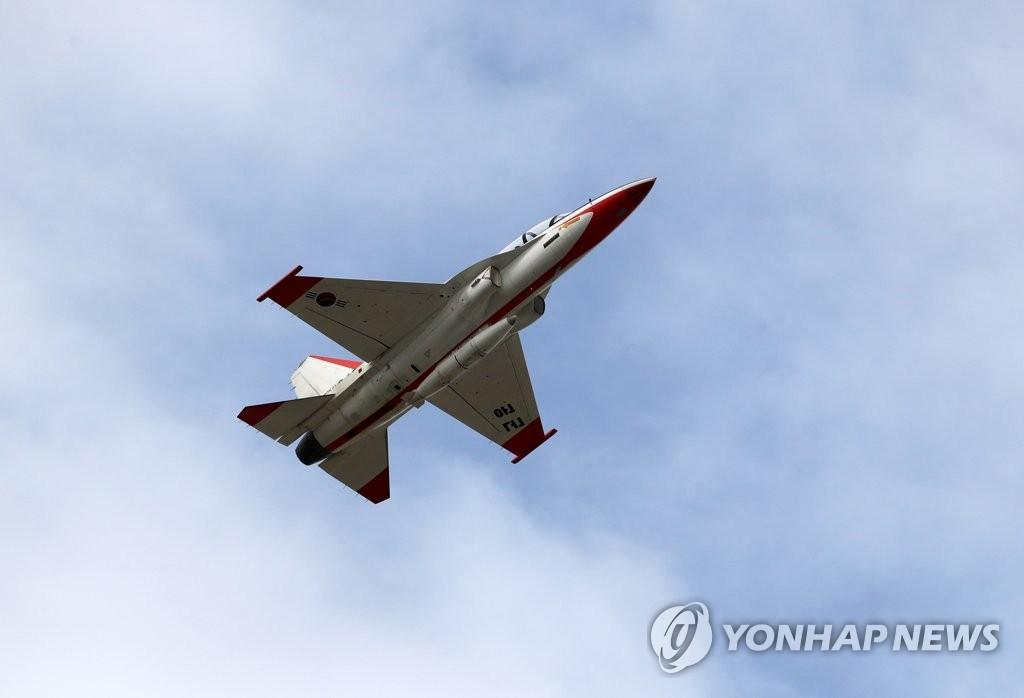 资料图片:T-50高教机 韩联社