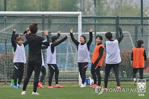 韩国女足赛前训练