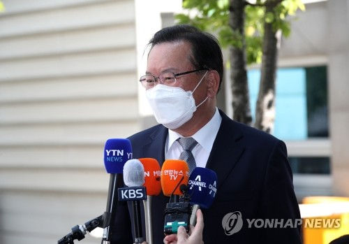 韩总理被提名人答记者问