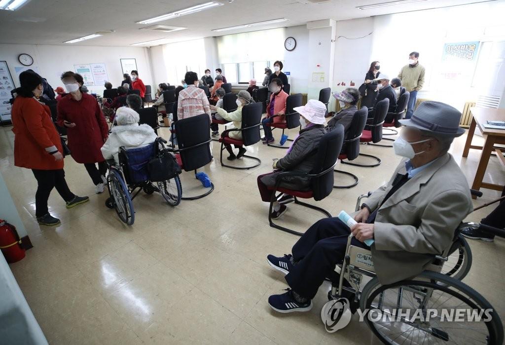 韩国新增166例疑似新冠疫苗异常反应病例