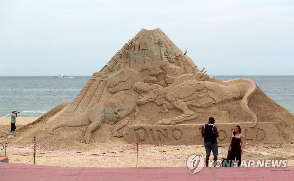 海云台沙雕节开幕在即