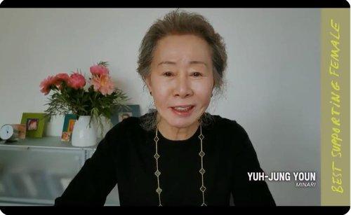 尹汝贞获美独立精神奖最佳女配角