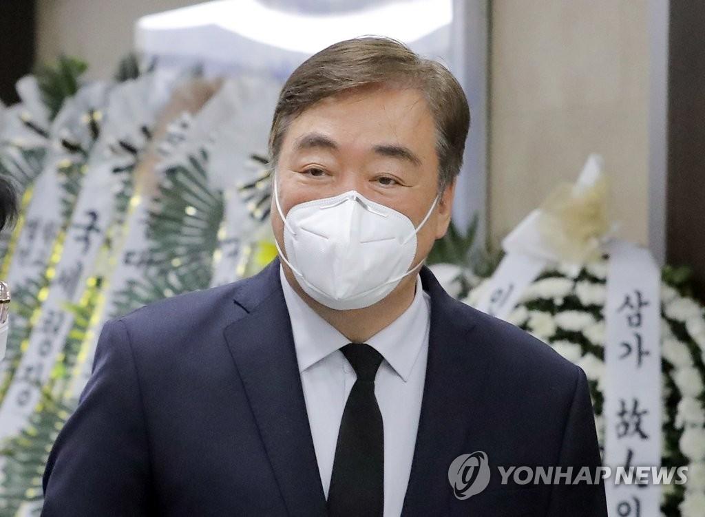 中国驻韩大使吊唁已故前总理李汉东