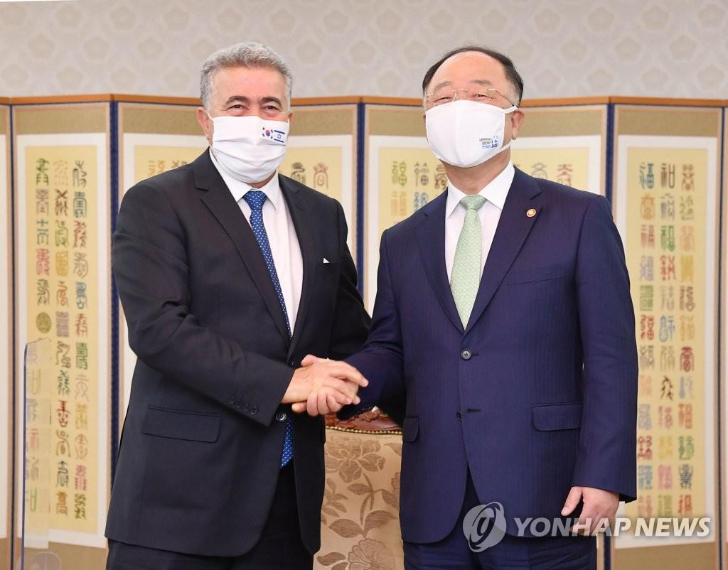 韩代总理洪楠基会见以色列经济与产业部长