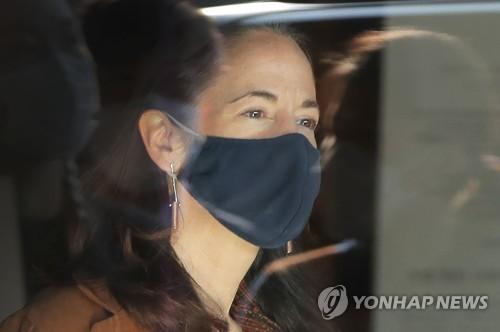 美国家情报总监海恩斯视察韩朝非军事区