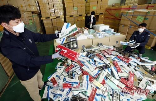 韩海关三年跨境查获354万盒走私香烟