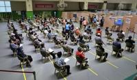 韩60至64岁人群及未满30岁官兵今起接种新冠疫苗