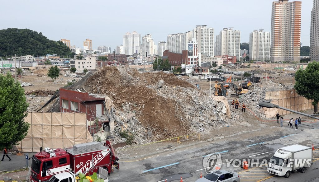光州拆迁楼倒塌事故现场 韩联社
