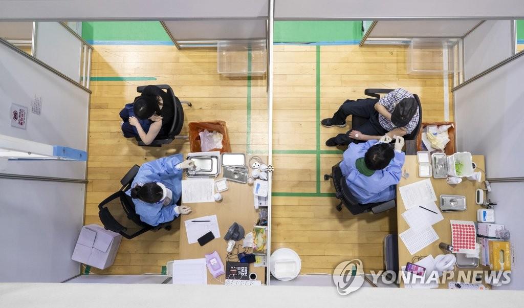韩首剂新冠疫苗接种者突破1400万