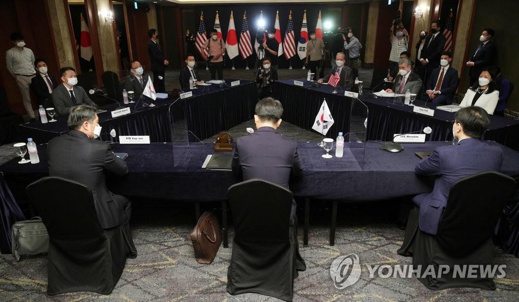 6月21日,在位于首尔市中区的乐天酒店,韩美日对朝首席代表会议举行。 韩联社/联合摄影记者团
