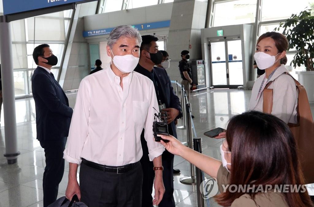 美对朝代表结束访韩行程返回