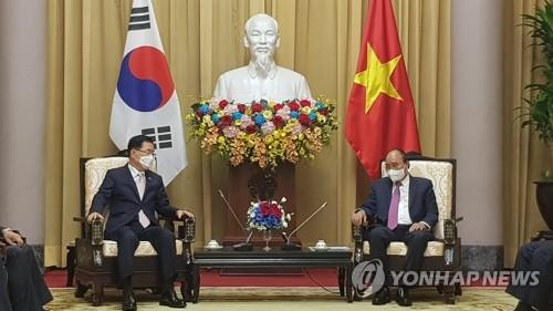 韩外长拜会越南国家主席