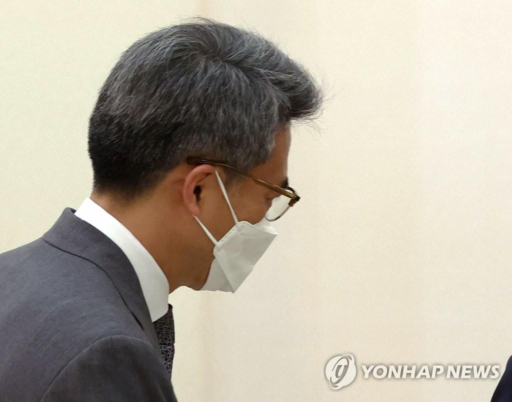 资料图片:青瓦台反腐败秘书金起杓 韩联社