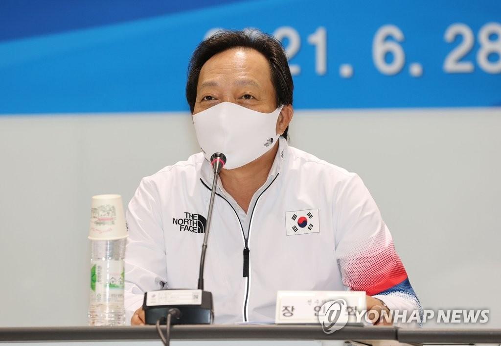 6月28日,2020东京奥运会媒体日活动在镇川国家队运动员村举行,韩国代表团团长张仁华发言。 韩联社