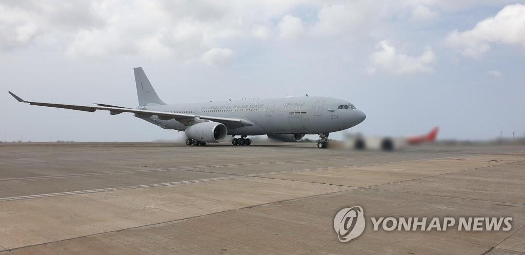 韩护航编队301人分乘2架军机今将回国