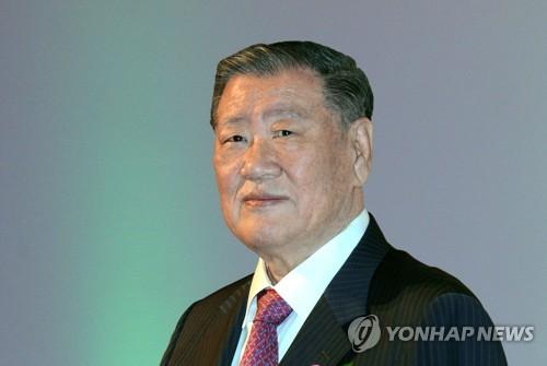 详讯:现代汽车集团名誉会长郑梦九上半年收入逾1.6亿元