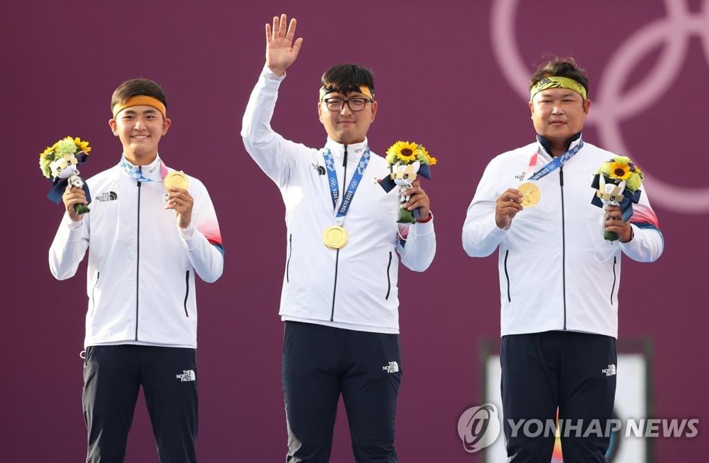 7月26日,在日本梦之岛公园进行的东京奥运射箭项目男子团体决赛上,韩国队以6-0大胜中华台北,实现了奥运四连冠。 韩联社