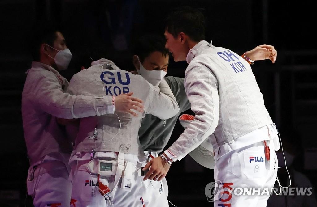 韩国男子佩剑队击败德国晋级东奥团体决赛
