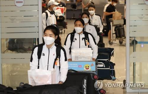 韩重剑女队回国
