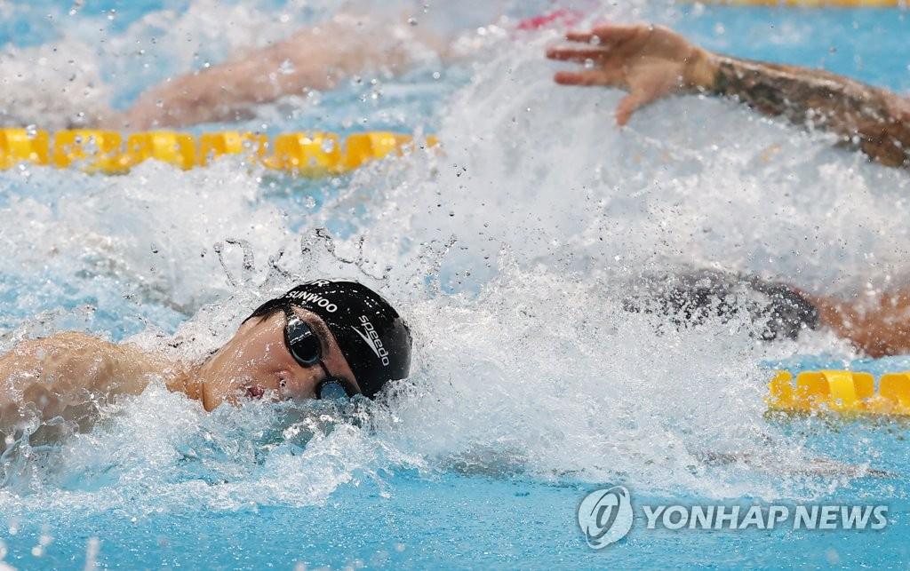 7月29日,在日本东京水上运动中心,韩国泳坛新星黄宣优参加东京奥运男子100米自由泳决赛。 韩联社