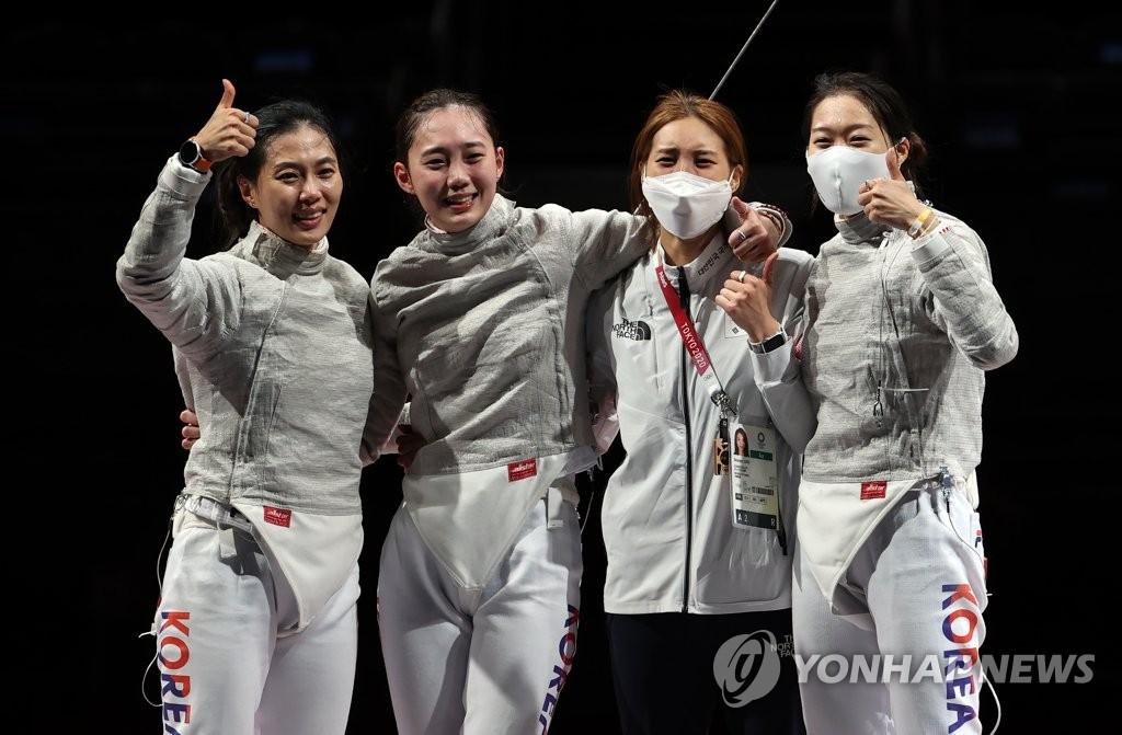 7月31日,在东京奥运会击剑女子佩剑团体铜牌争夺战赛中,韩国队战胜意大利队获得铜牌,书写历史。 韩联社