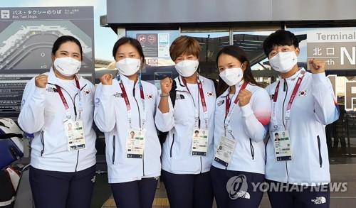 韩国高球女队抵达日本