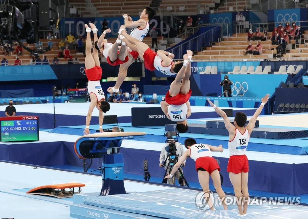 8月2日,申在焕在男子跳马决赛中斩获金牌。 韩联社