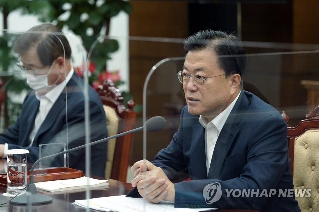 文在寅要求韩军改善兵营文化重获国民信任