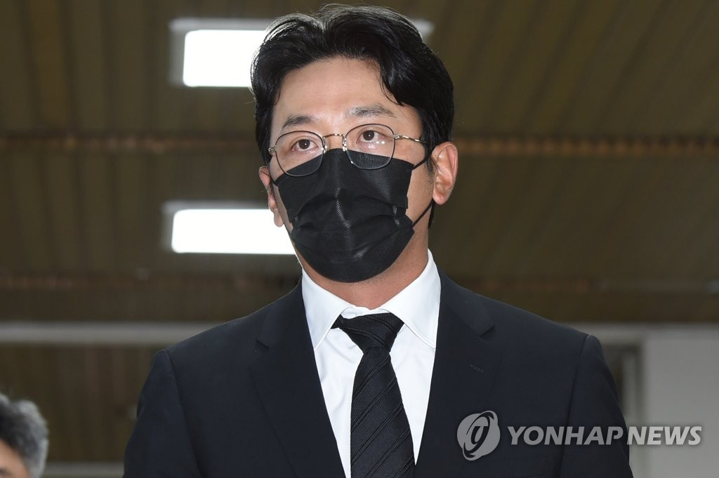 详讯:演员河正宇承认滥用麻药被求罚5.6万元