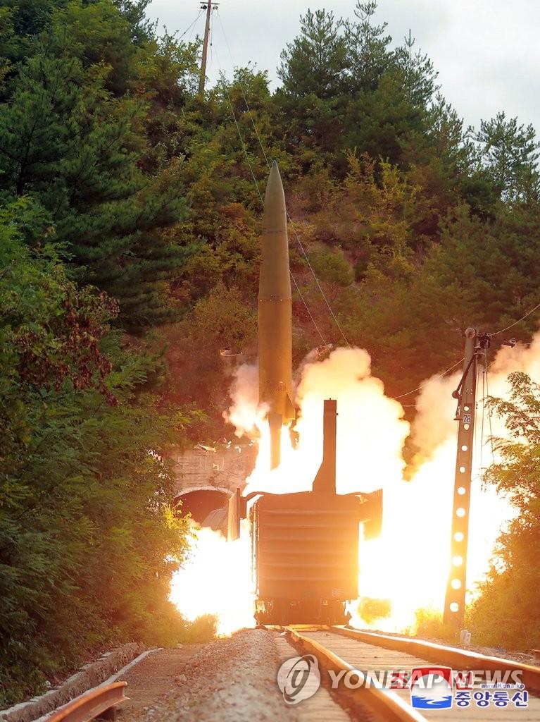 朝鲜火车发射弹道导弹
