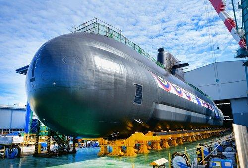 """3000吨级潜艇""""申采浩""""号"""
