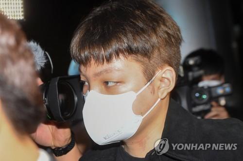 韩涉拒酒测歌手张龙俊被逮捕起诉