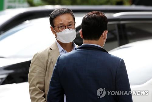 韩执政党总统候选人选举争议难平 前党首李洛渊方要求再投票