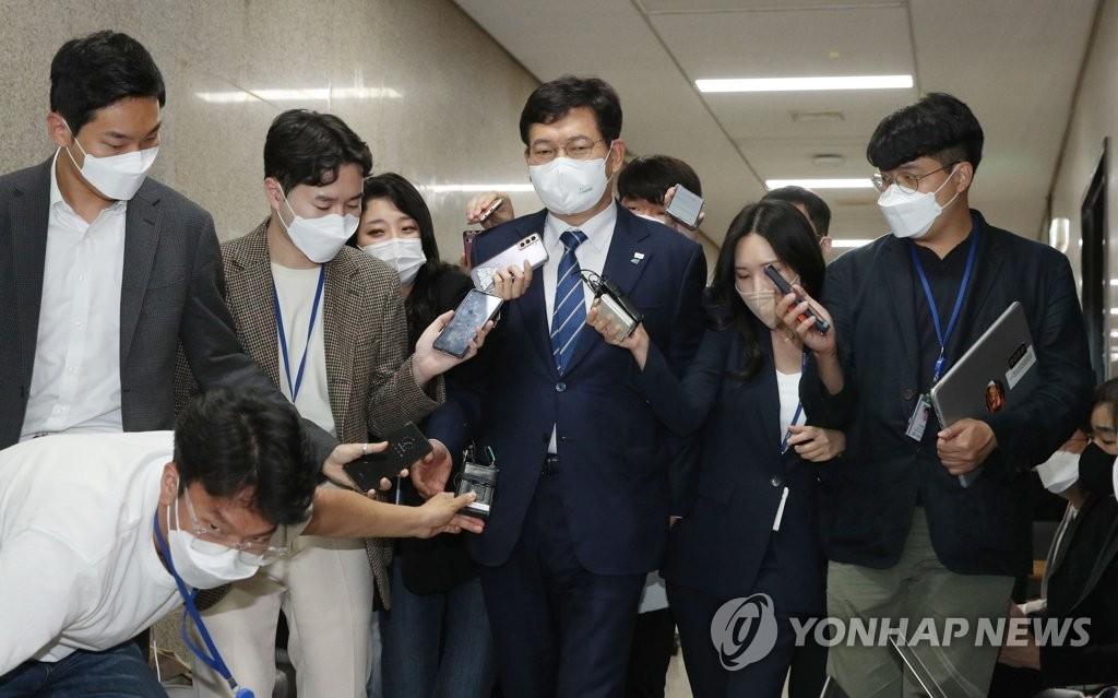 韩执政党驳回李洛渊就总统候选人初选所提异议