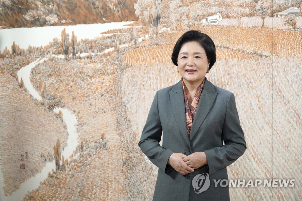 韩第一夫人寄语农村妇女